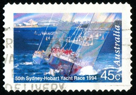 yacht race: AUSTRALIA - CIRCA 1994: sello impreso por Australia, Sydney-Hobart Yacht Race, se muestra alrededor de 1994