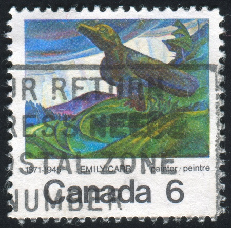 CANADA - CIRCA 1971: stamp printed by Canada, shows Big Raven, by Emily Carr, circa 1971 Banque d'images - 8560191