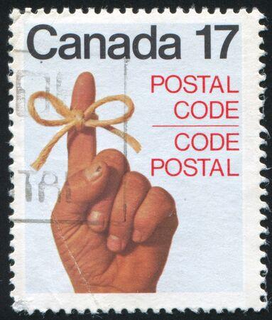 dictatorial: CANADA - CIRCA 1979: timbro stampato da Canada, mostra Ribbon Around Woman?s Finger, circa 1979