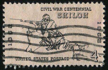 rifleman: Estados Unidos - alrededor de 1961: Sello impreso por Estados Unidos, muestra fusilero en Shiloh, en 1862, en 1961.