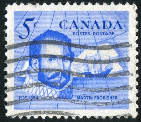 descubridor: Canad� - alrededor de 1963: Sello impreso por Canad�, muestra Sir Martin Frobisher (1535-1594), explorador y descubridor de Frobisher Bay, alrededor de 1963 Editorial