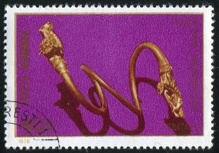 armband: ROMANIA - CIRCA 1978: timbro stampato dalla Romania, mostra bracciale d'oro, circa 1978 Archivio Fotografico