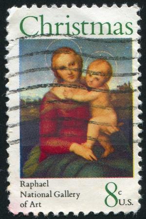 sanctity: STATI UNITI - CIRCA 1973: timbro stampato da parte degli Stati Uniti d'America, mostra piccola Madonna Cowper, di Raffaello, circa 1973