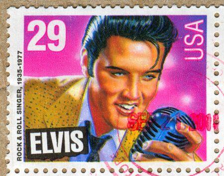 VEREINIGTE STAATEN - CIRCA 1992: Stempel von United States gedruckt, zeigt Elvis Presley, circa 1992 Standard-Bild - 11082671