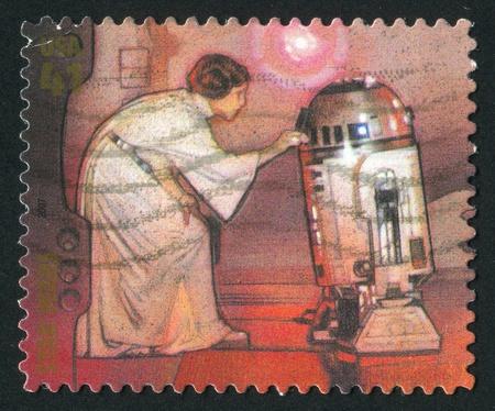 VEREINIGTE STAATEN - CIRCA 2007: Stempel von United States gedruckt, zeigt Star Wars, Prinzessin Leia und R2-D2, circa 2007 Standard-Bild - 11264705