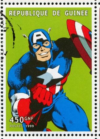 GUINEA - CIRCA 1999: Stempel von Guinea gedruckt, zeigt Captain America, ca. 1999 Standard-Bild - 12060372