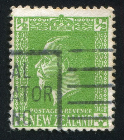 NEW ZEALAND - CIRCA 1915: stamp printed by New Zealand, shows King George V, circa 1915