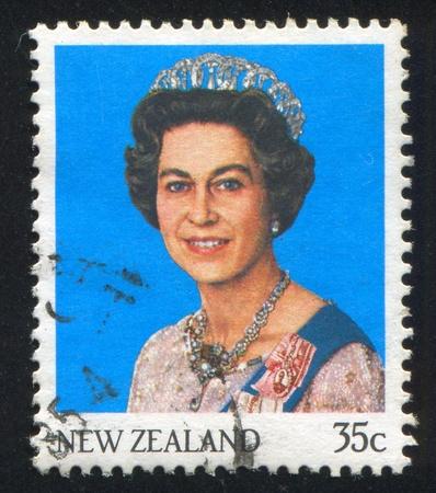 queen elizabeth: NEW ZEALAND - CIRCA 1985: stamp printed by New Zealand, shows shows queen Elizabeth II, circa 1985