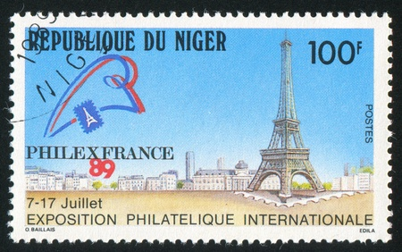 NIGER - CIRCA 1989: stamp printed by Niger shows Eiffel Tower, circa 1989