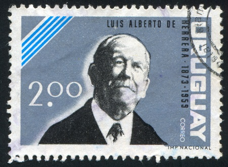 alberto: URUGUAY - CIRCA 1964: sello impreso por Uruguay, indica Luis Alberto de Herrera, alrededor de 1964 Editorial