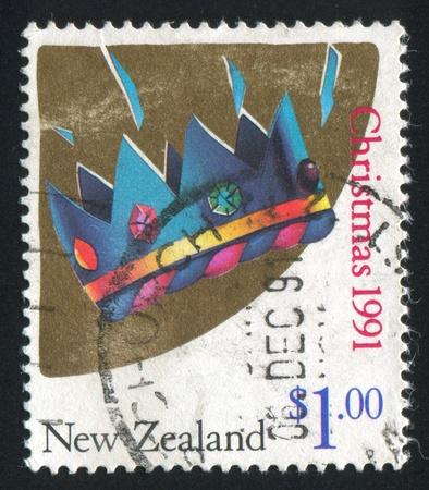 corona navidad: NUEVA ZELANDA - CIRCA 1991: sello impreso por Nueva Zelanda, muestra de Navidad, coronas, alrededor de 1991 Foto de archivo