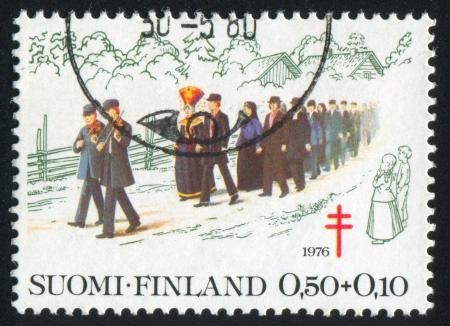 consuetude: FINLAND - CIRCA 1976: stamp printed by Finland, shows Wedding Procession, circa 1976