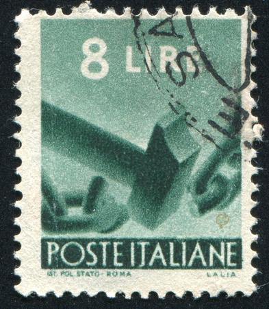 peen: ITALY - CIRCA 1945: stamp printed by Italy, shows Breaking Chain, circa 1945