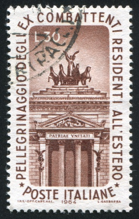ITALY - CIRCA 1964: stamp printed by Italy, shows Left Arch of Victor Emmanuel Monument, Rome, circa 1964 Stock Photo - 14171863
