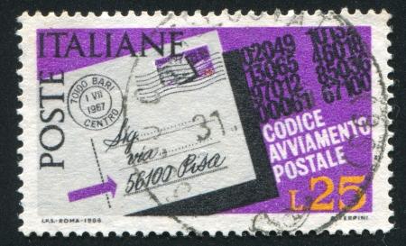 addressed: ITALIA - CIRCA 1967: timbro stampato da Italia, mostra Lettera indirizzata con il numero postale della zona, circa 1967