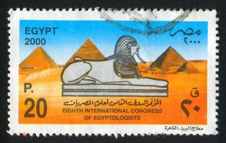 abjad: EGYPT - CIRCA 2000: stamp printed by Egypt, shows Sphinx, Pyramid, circa 2000 Editorial