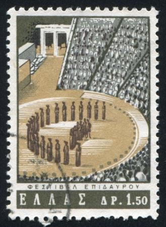aesculapius: GRECIA - CIRCA 1965: timbro stampato dalla Grecia, mostra Esculapio Theater, Epidauro, circa 1965