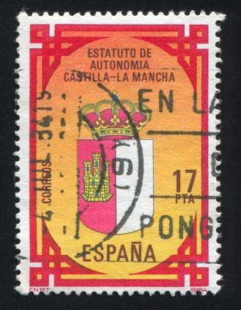 autonomia: ESPA�A - CIRCA 1984: sello impreso por Espa�a, Castilla-LaMancha muestra Estatuto de Autonom�a, circa 1984 Editorial