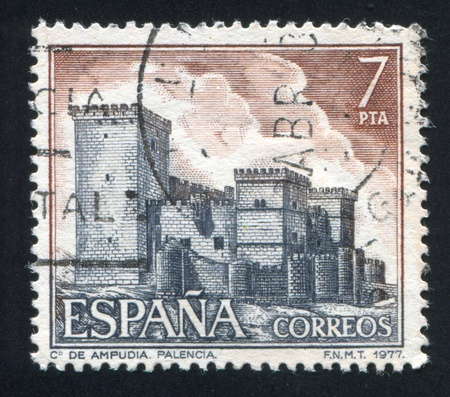 SPAIN - CIRCA 1977: stamp printed by Spain, shows Castle Ampudia, Palencia, circa 1977 Stock Photo - 16285139