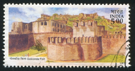 INDIA - CIRCA 2002: stamp printed by India, shows Golconda fort, circa 2002 Stock Photo - 16337776