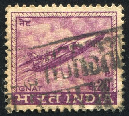 moscerino: INDIA - CIRCA 1965: timbro stampato dalla Francia, mostra aereo Zanzara, circa 1965
