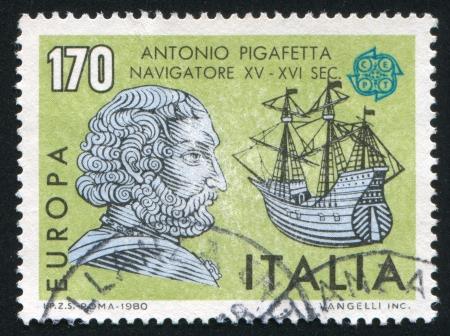 caravelle: ITALIE - CIRCA 1980: timbre imprim� par l'Italie, indique Antonio Pigafetta, Caravel, Europa, vers 1980
