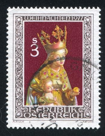 AUSTRIA - CIRCA 1977: stamp printed by Austria, shows Virgin and Child, wood statue, circa 1977 Stock Photo - 17464445