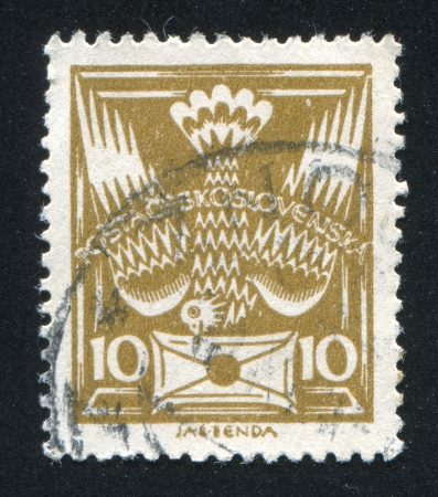 CZECHOSLOVAKIA - CIRCA 1920: stamp printed by Czechoslovakia, shows Carrier Pigeon with Letter, circa 1920