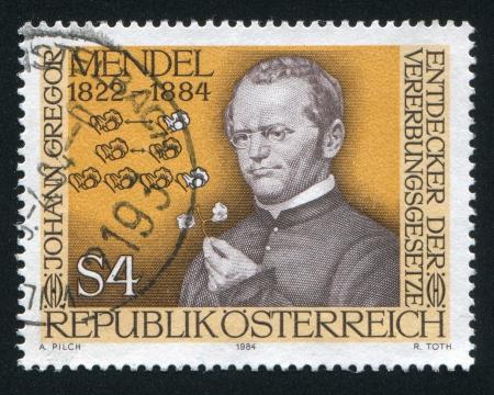 STERREICH - CIRCA 1984: Stempel von Österreich gedruckt, zeigt Gregor Mendel, circa 1984 Standard-Bild - 18329890