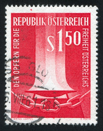 catena: AUSTRIA - CIRCA 1961: stamp printed by Austria, shows Flame and broken chain, circa 1961 Editorial