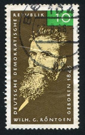 descubridor: Alemania - alrededor de 1965: sello impreso por Alemania, muestra Wilhelm Conrad Roentgen, alrededor de 1965