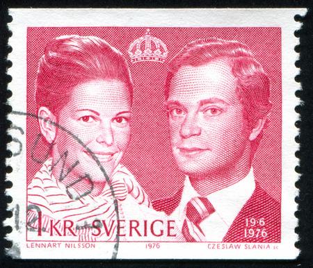 king carl xvi gustaf: Sweden - CIRCA 1976: stamp printed by Sweden, shows King Carl XVI Gustaf and Queen Silvia, circa 1976