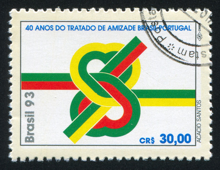 verdrag: BRAZILIË - CIRCA 1993: stempel gedrukt door Brazilië, toont Brazilië-Portugal Verdrag van Overleg en Vriendschap, circa 1993 Redactioneel