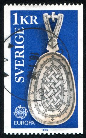 elk horn: SUECIA - CIRCA 1976: sello impreso por Suecia, muestra Lapp Elk Horn Cuchara, alrededor de 1976
