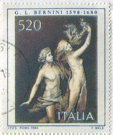 dafne: ITALIA - CIRCA 1980: timbro stampato da Italia, mostra Apollo e Dafne, da Gian Lorenzo Bernini, circa 1980 Editoriali
