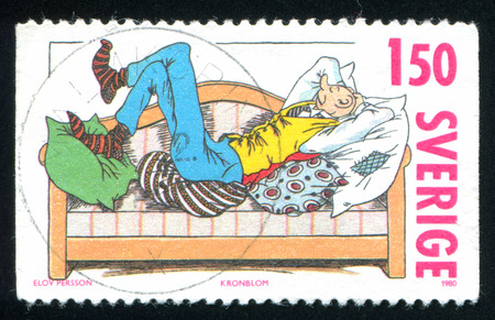 ZWEDEN - CIRCA 1980: stempel gedrukt door Zweden, toont striptekens, circa 1980