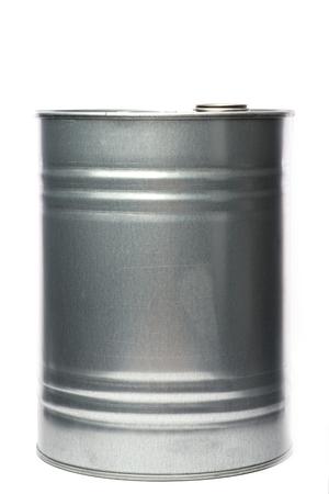 Grijze metalen olie en chemische trommel over de witte achtergrond, geïsoleerd Stockfoto