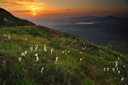 Ireland, Kerry County, Sunrise seen from Torc Mountain