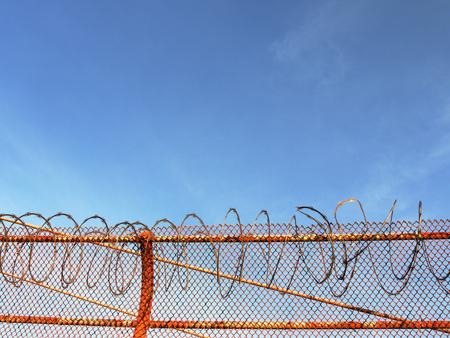 chainlink fence: USA, California, San Francisco, Razor wire on Golden Gate bridge