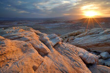 nevada: USA, Nevada, Valley of Fire State Park, Sunrise in Desert