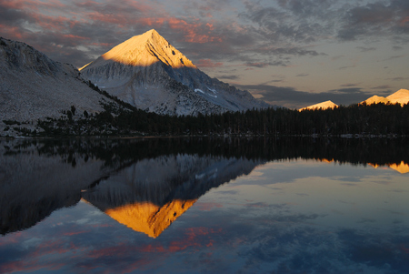 nevada: USA, California, Ansel Adams Wilderness Area, Inyo National Forest, Arrow Peak Reflection in Bench Lake  LANG_EVOIMAGES