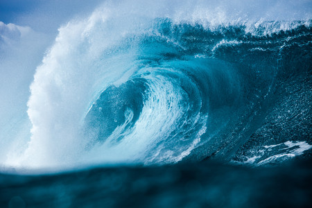 Hawaii, Close-up of large blue breaking wave LANG_EVOIMAGES