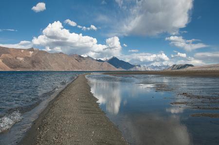 Himalayas, Tibet, Ladakh, Landscape with lake and mountain range LANG_EVOIMAGES