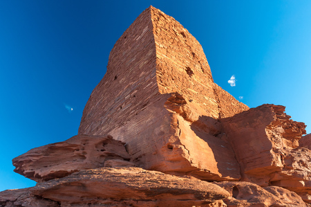 USA, Arizona, Wupatki National Monument, Wukoki ruins at sunset