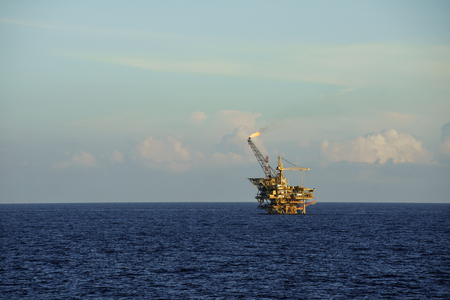 oil and gas industry: Offshore oil platform in operation at sea LANG_EVOIMAGES