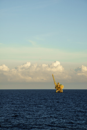 oil and gas industry: Offshore gas platform  LANG_EVOIMAGES