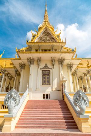 no entrance: Phnom Penh Royal Palace, Cambodia