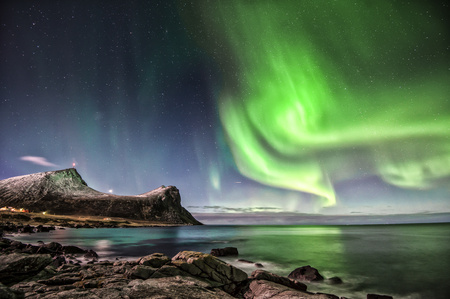 atmospheric phenomena: Northern Lights, Myrland, Lofoten, Norway