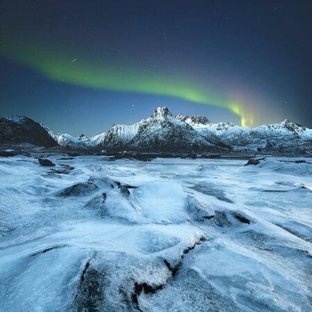 atmospheric phenomena: Northern lights, Lofoten, Norway