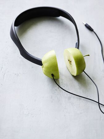 Conceptual headphones